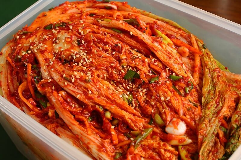 Kimchi (Seasoned and fermented vegetables)