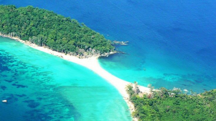For beach goers, there are 572 islands to be discovered here.