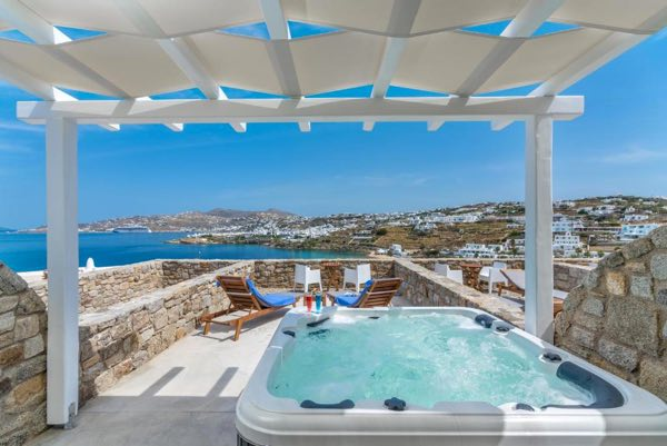 guide mykonos greece travel blog where to stay