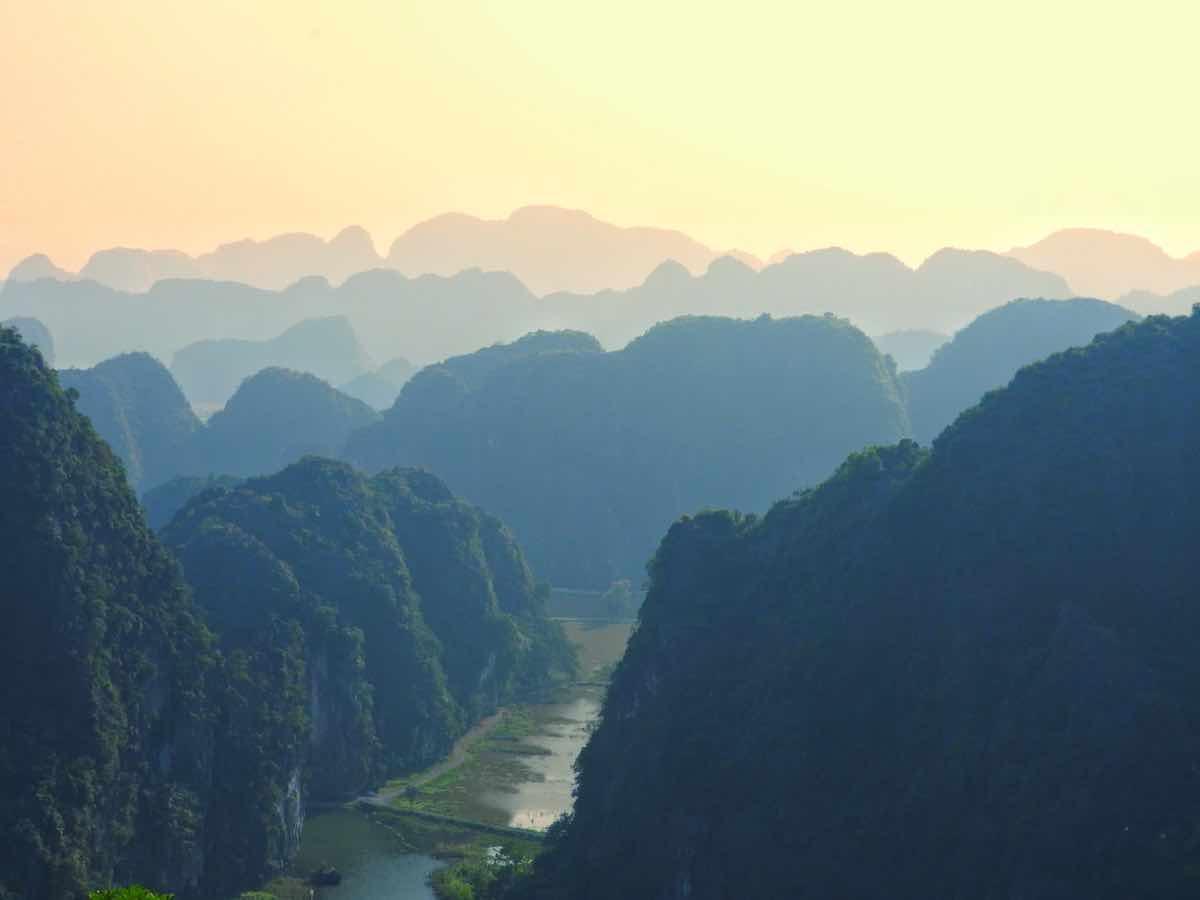 tips vietnam things to know before traveling vietnam ninh binh