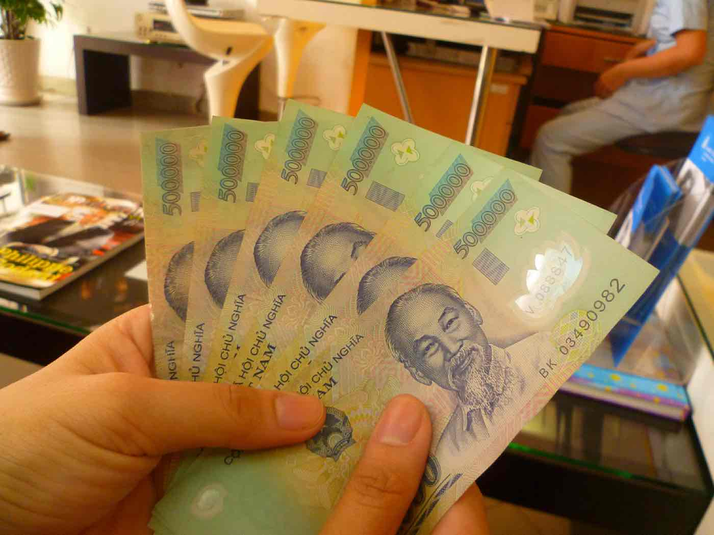 travel vietnam tips vietnamese dong money advice