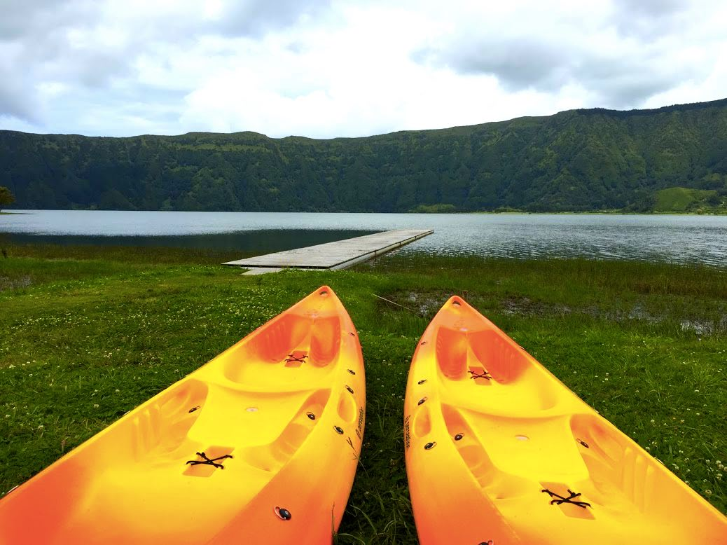 what to do in the island of São Miguel - Kayaking