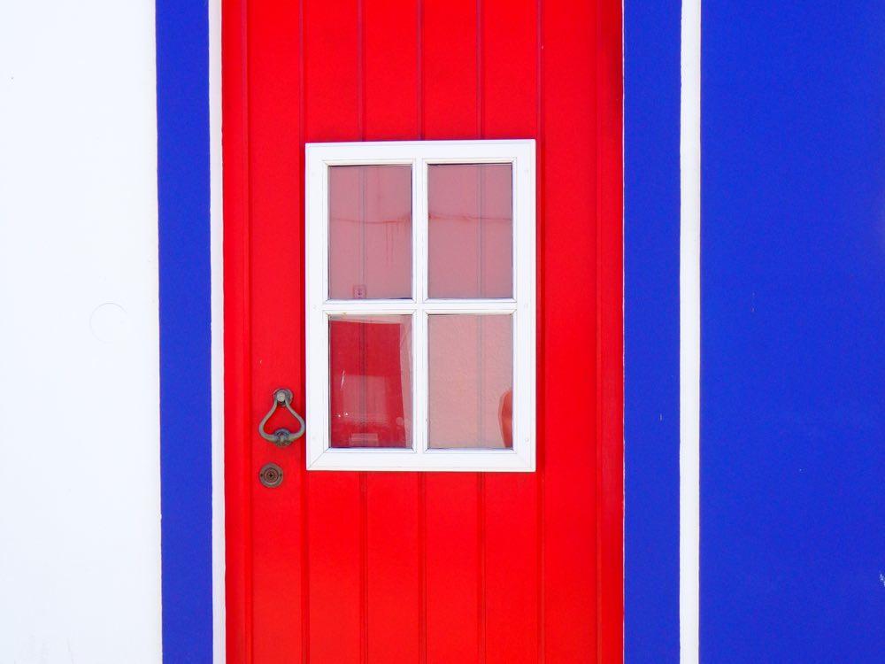 Portugal road trip - Porto Covo colors architecture