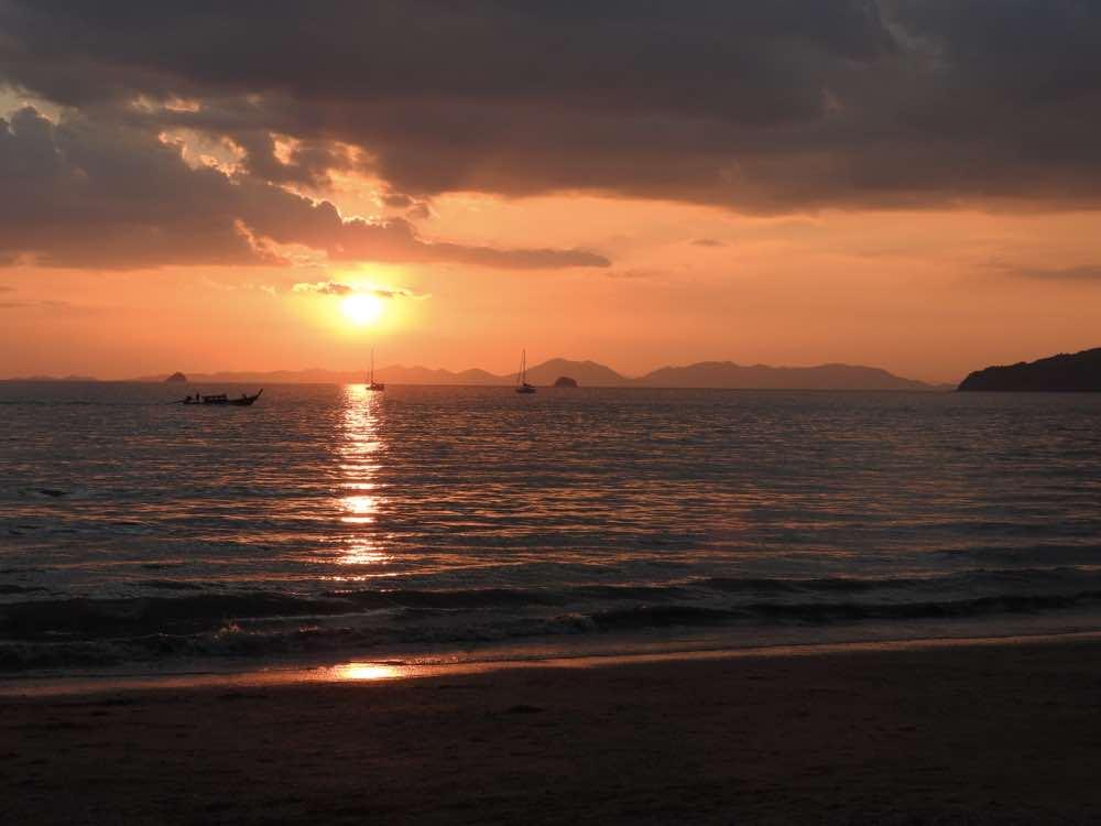 thailand island hopping sunset