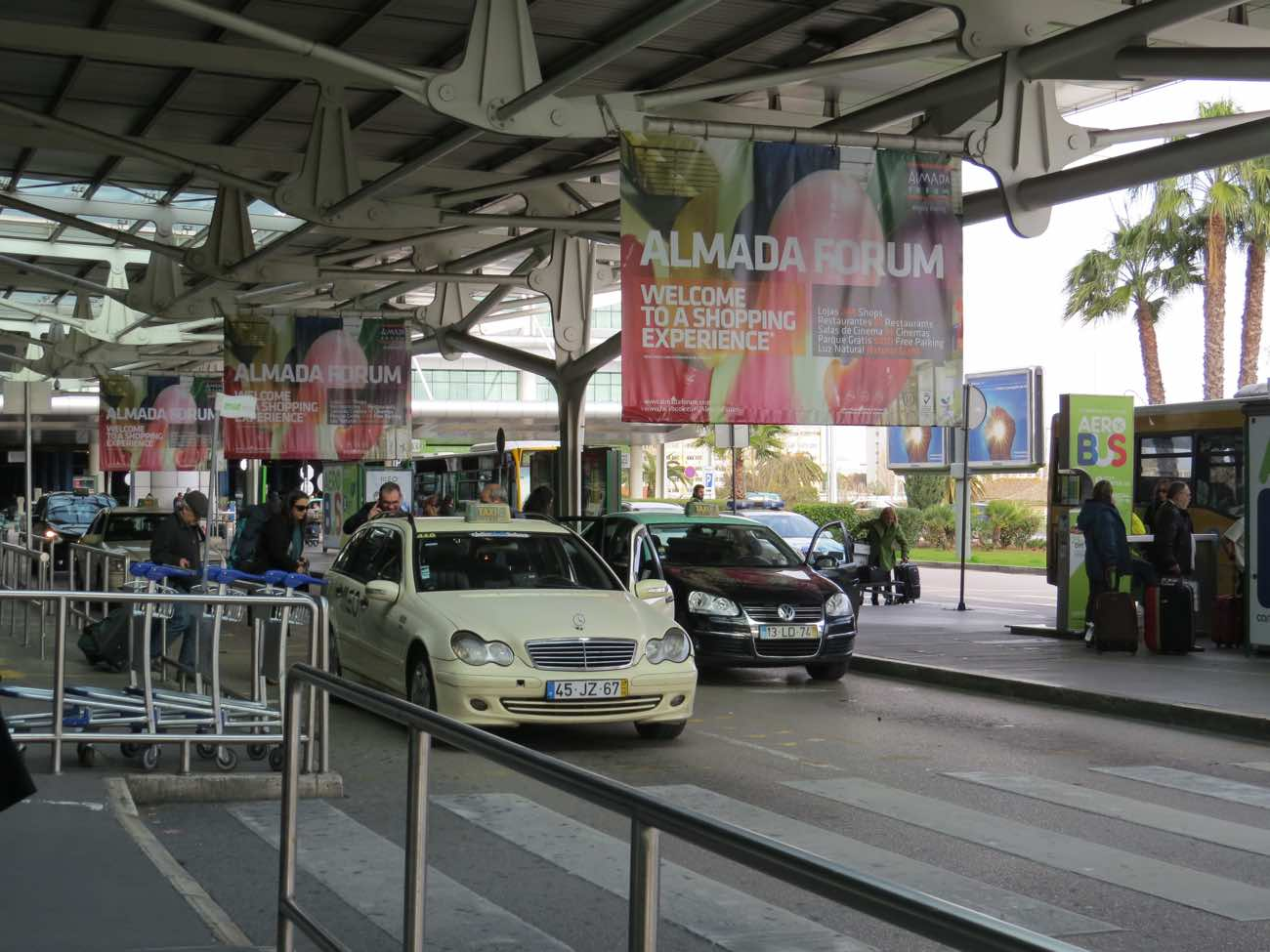 lisbon airport to downtown taxis arrival halls