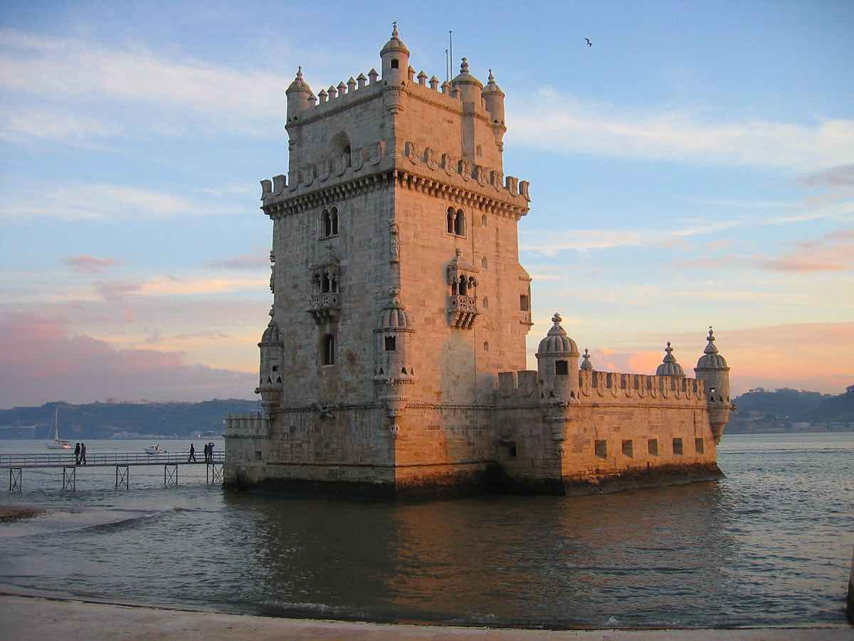 lisbon travel blog guide belem tower tourist trap
